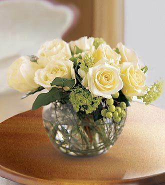 Cheap Flower Deliveries on Premium Rose Arrangement   Anniversary Flowers   Flowers Fast