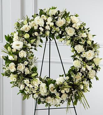 FTD Splendor Wreath - S8-4453