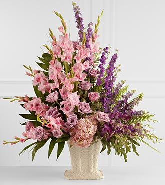 FTD Flowing Garden Arrangement - PREMIUM