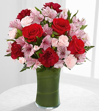 FTD Love in Bloom Bouquet - DELUXE