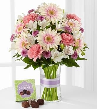 FTD Sweeter Than Ever Bouquet with Chocolates - PREMIUM