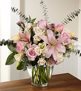 FTD Classic Beauty Bouquet - DELUXE
