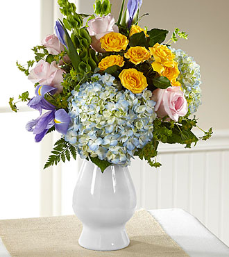 FTD Welcome Bouquet - DELUXE