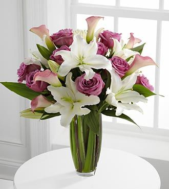 Flowing Luxury Rose and Lily Bouquet - 19 Stems