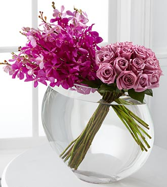 Duet_Luxury_Rose_Bouquet_-_18_Stems_of_24-inch_Premium_Long-Stemmed_Roses