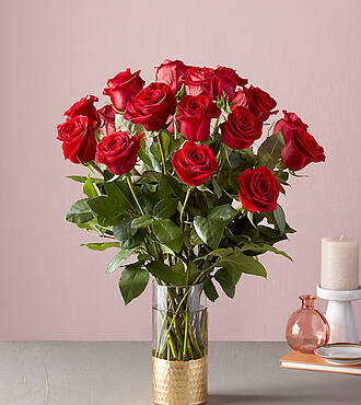 Ftd in love with red roses bouquet deluxe valentines day ftd in love with red roses bouquet deluxe valentines day flowers gifts flowers fast negle